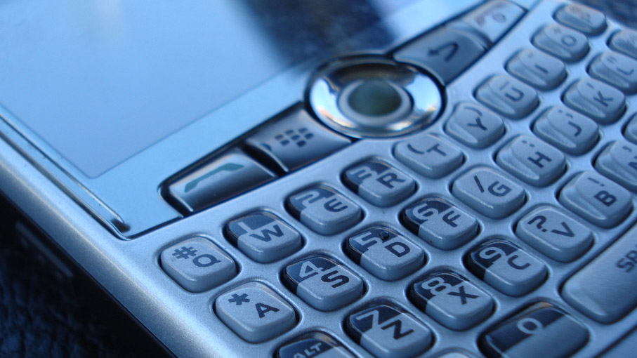 BlackBerry Confirms Development Of An Upcoming QWERTY Handset With A Crazy PixelDensity